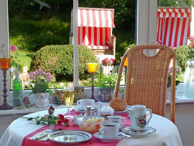 St. Peter-Ording Hotel Eulenhof:  Frühstücken am reichhaltigen Früßstücksbuffet